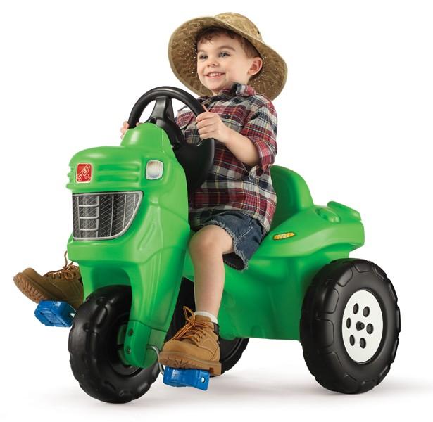 PEDAL FARM TRACTOR -- 717600